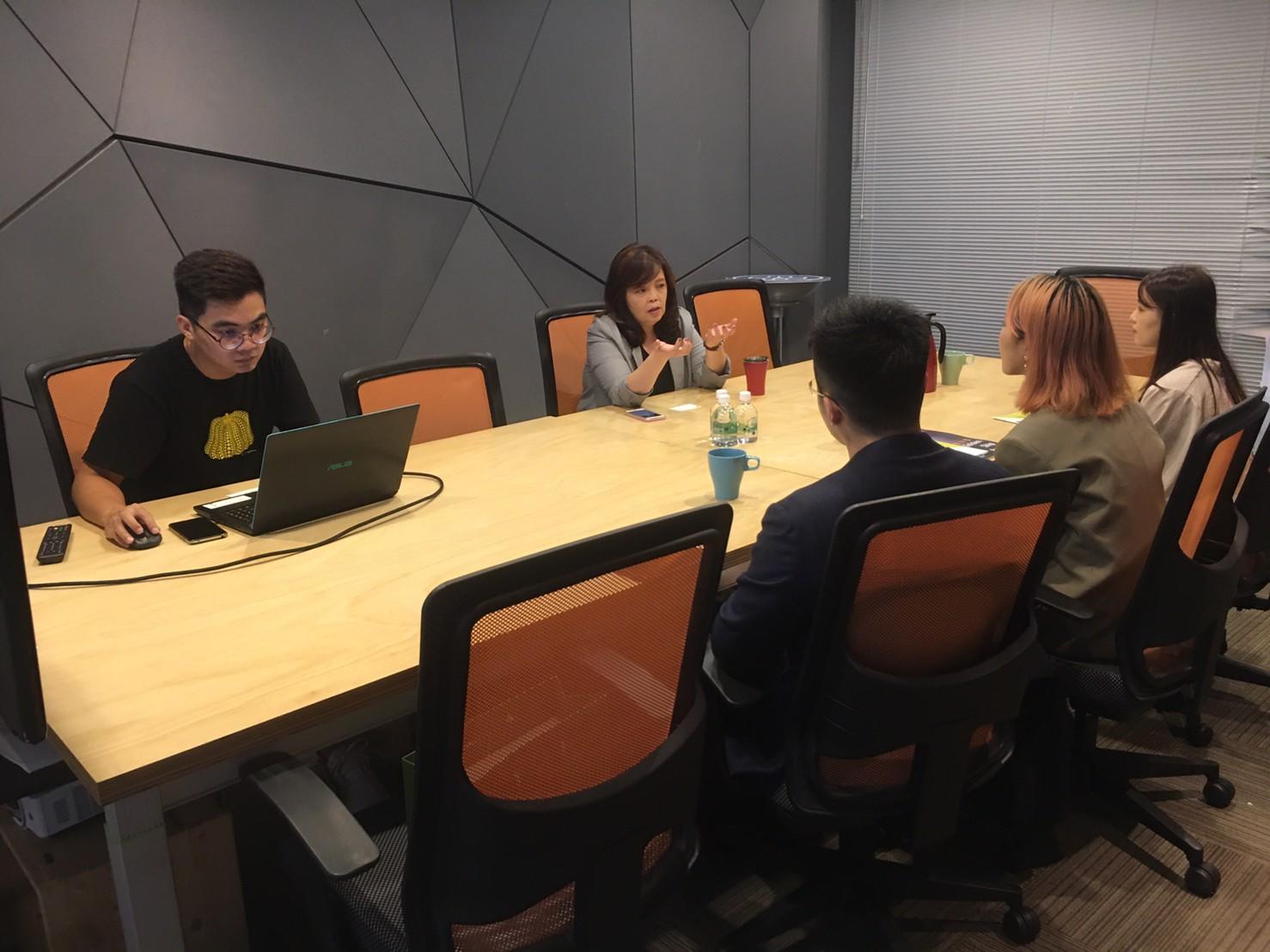 1021 台大新創策略法律顧問社參訪臺北創新實驗室