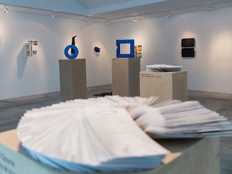 Artistas venezolanos contemporáneos exhiben microrrelatos en la galería Espacio 5