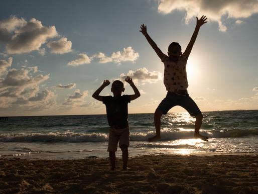 La amistad genera felicidad y la felicidad miles de sonrisas