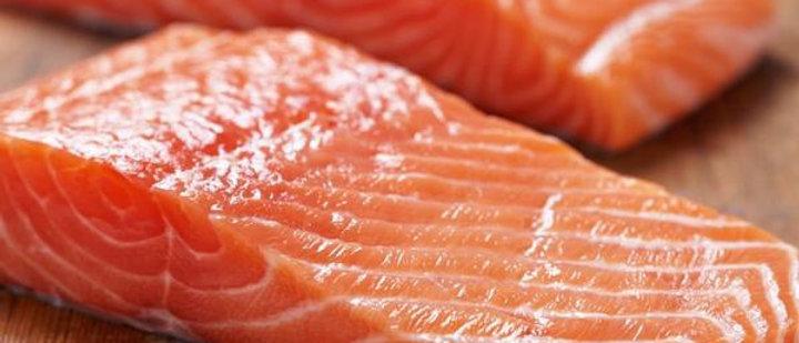 Large Scottish Salmon Fillets 175g x 4 (2 fillets per bag)