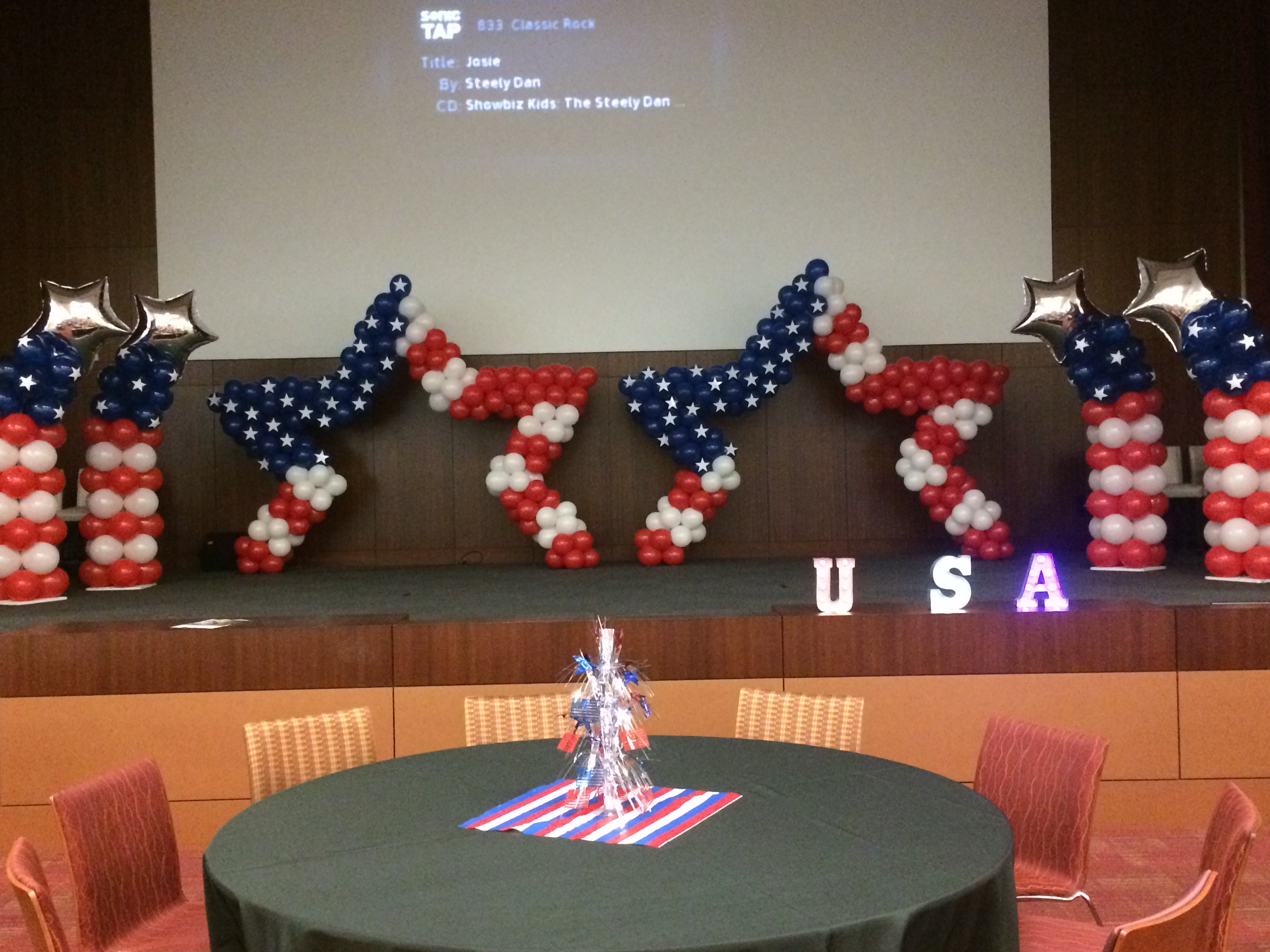 American Star Balloon Sculpture