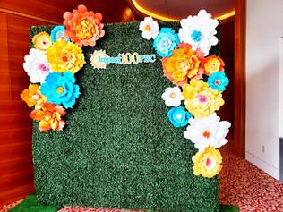 Boxwood backwall with flowers.jpg