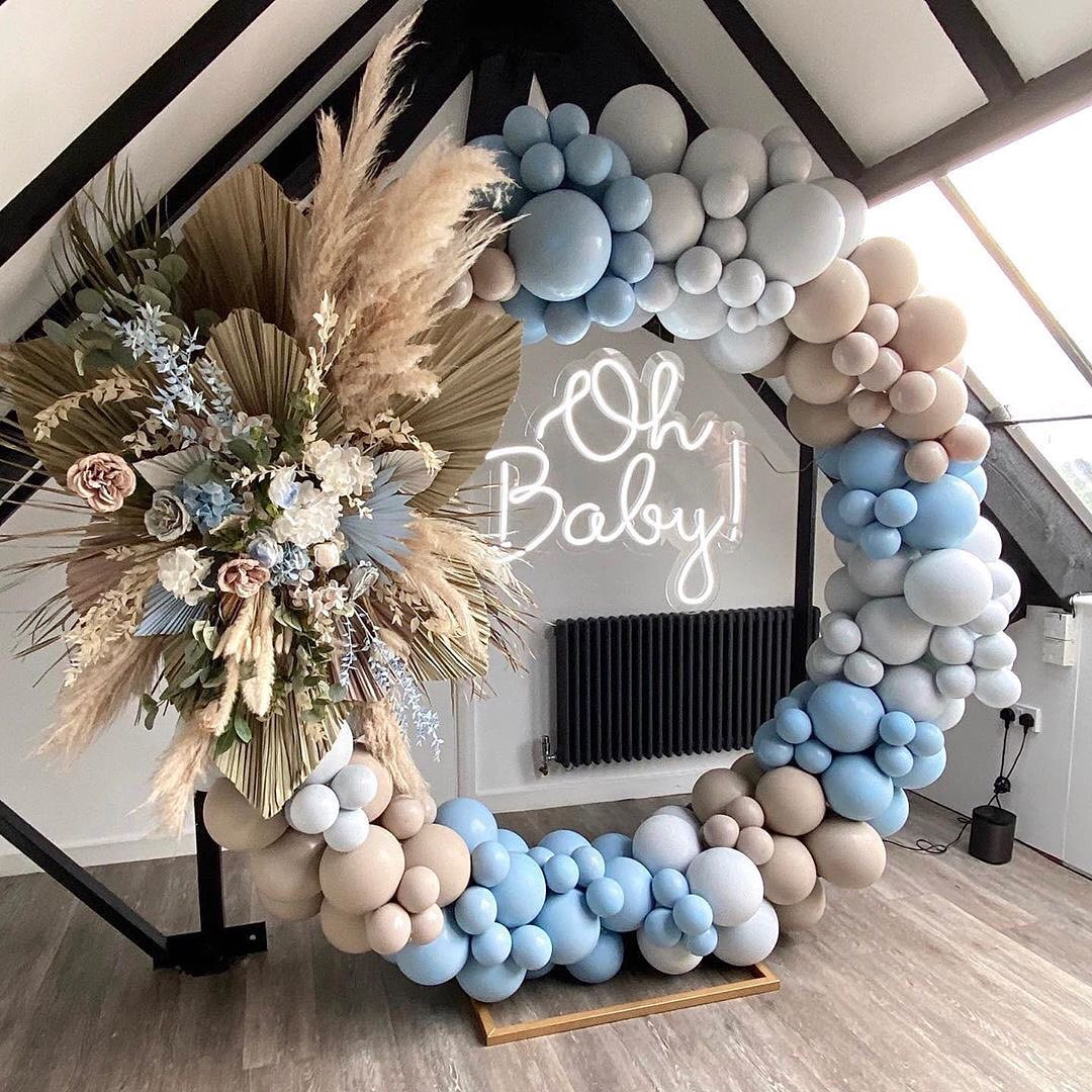 Circle Balloon Arch With Neon Sign