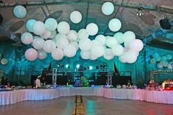 3' White Balloons