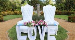 Love Sweetheart Table & Royal Throne