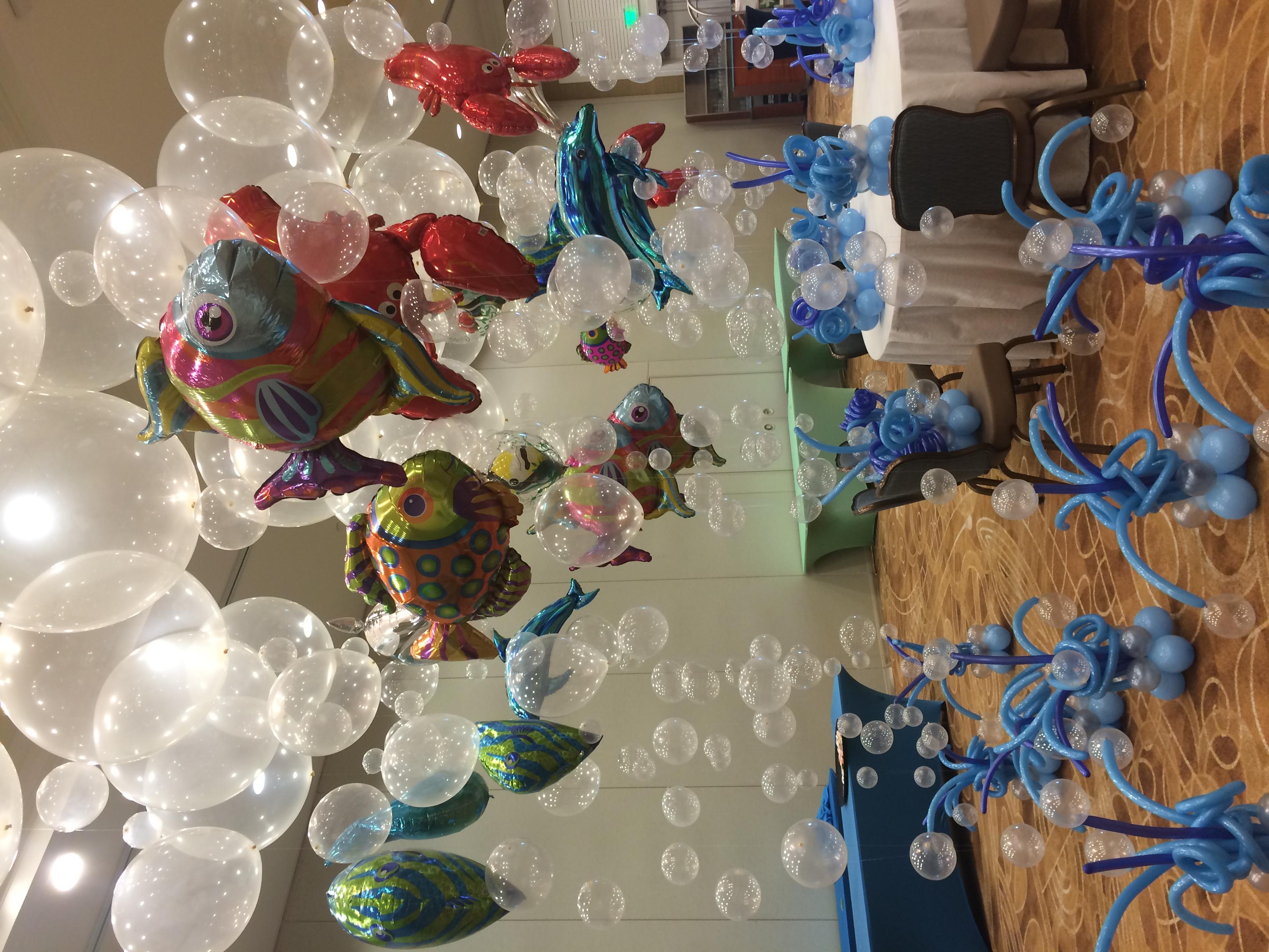 Balloon Bubble & Fish Centerpiece