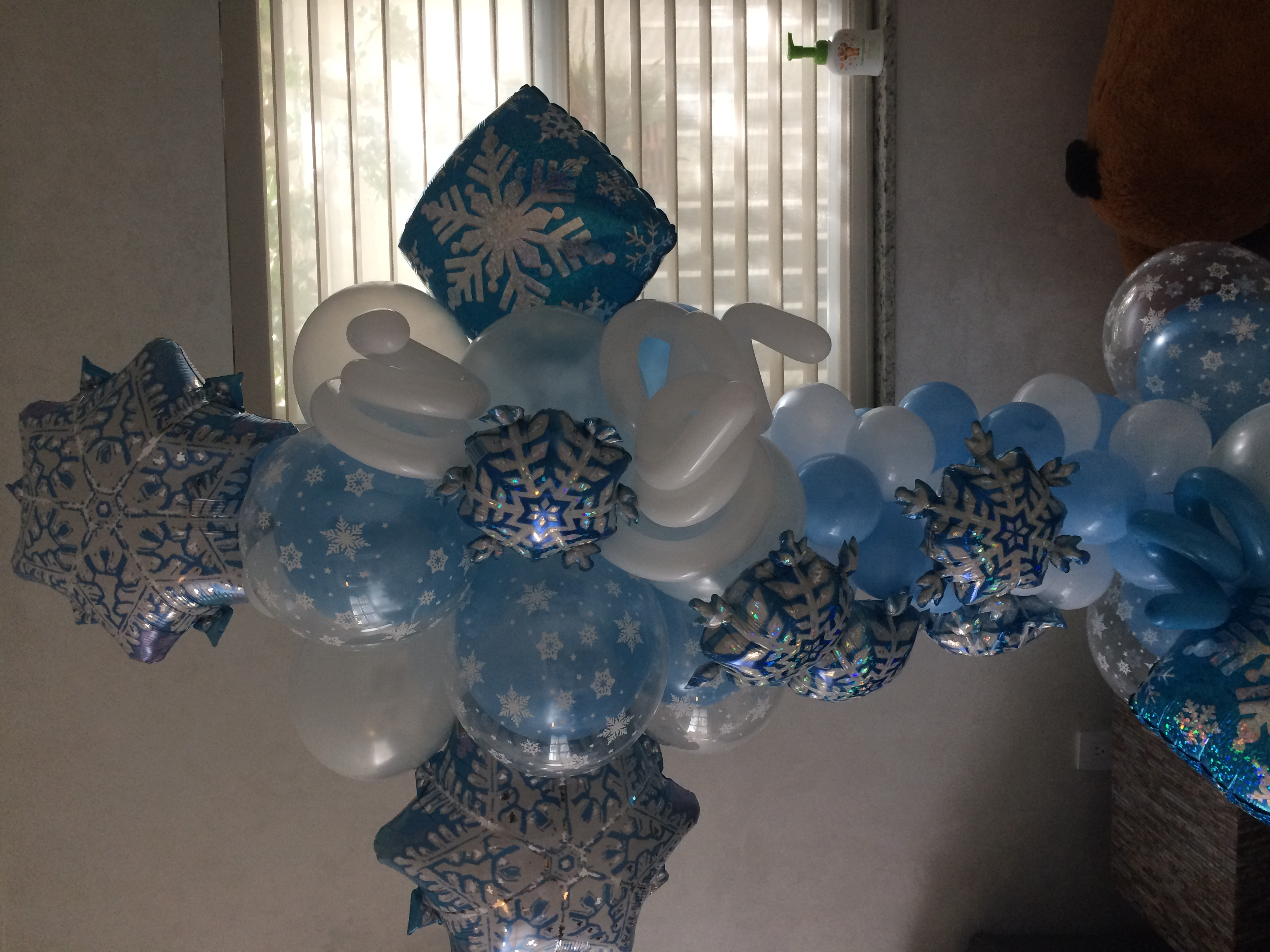 Winter Themed Balloon Column