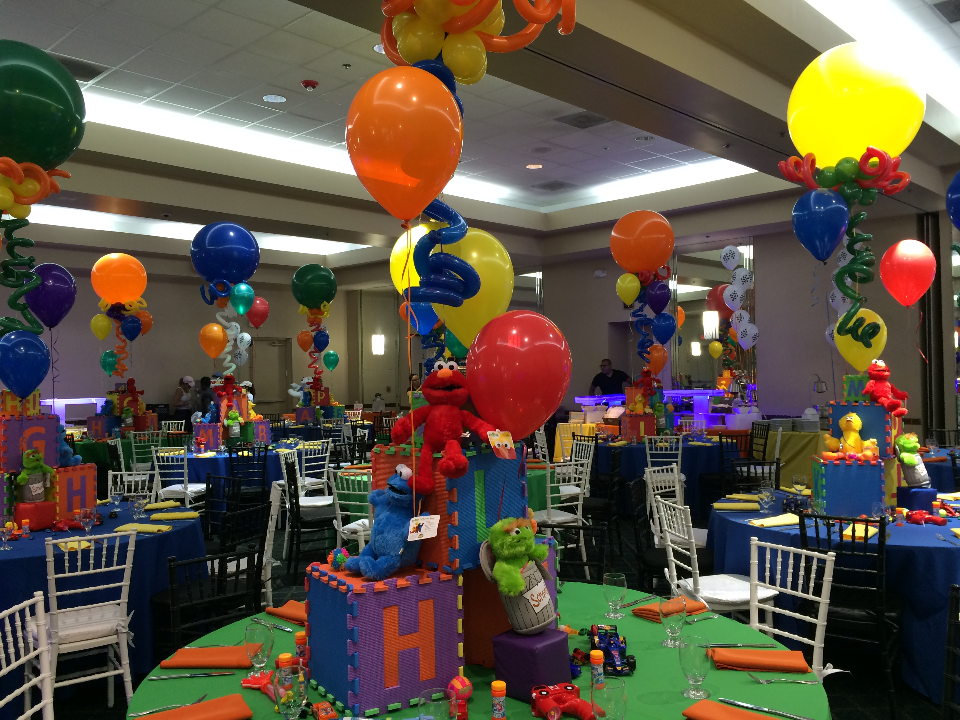 Themed Balloon Centerpieces