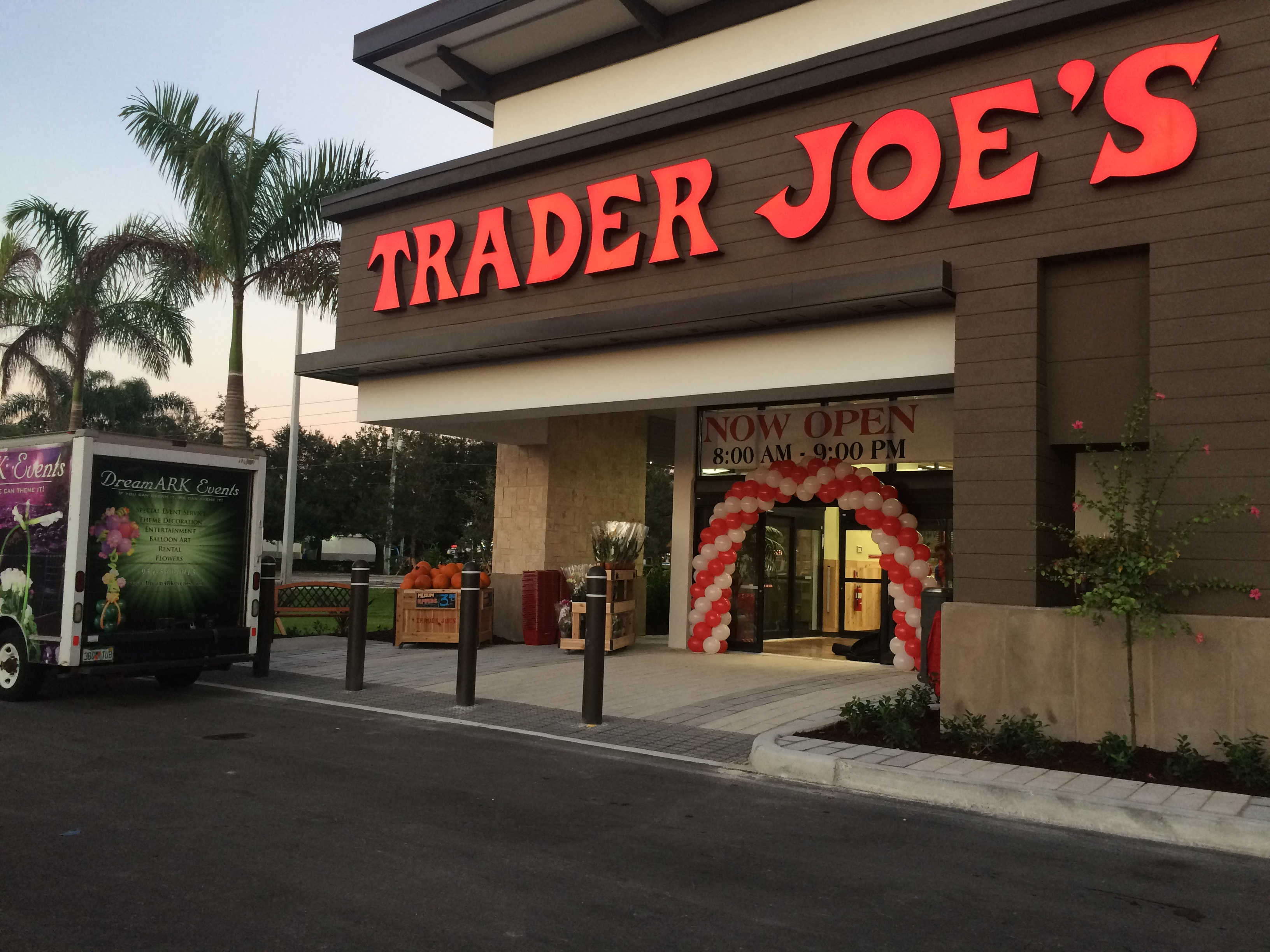 Trader Joe's balloon arch