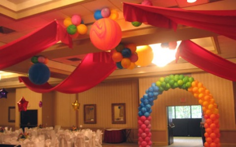 35 Arch Balloons and Fabric On Ceiling_4