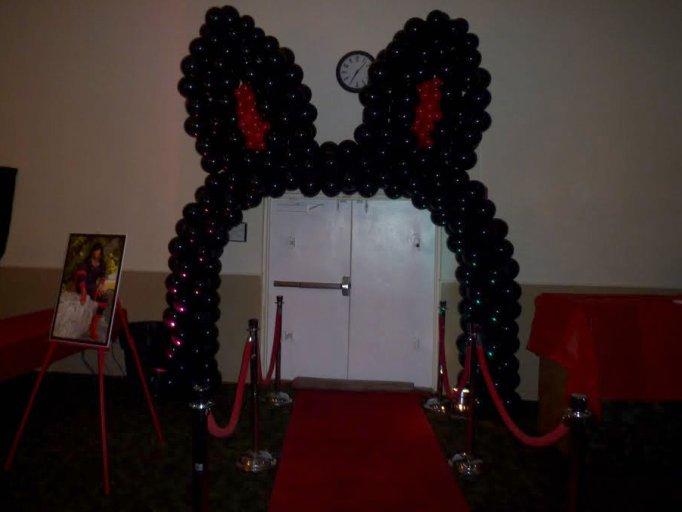 Bunny Balloon Arch
