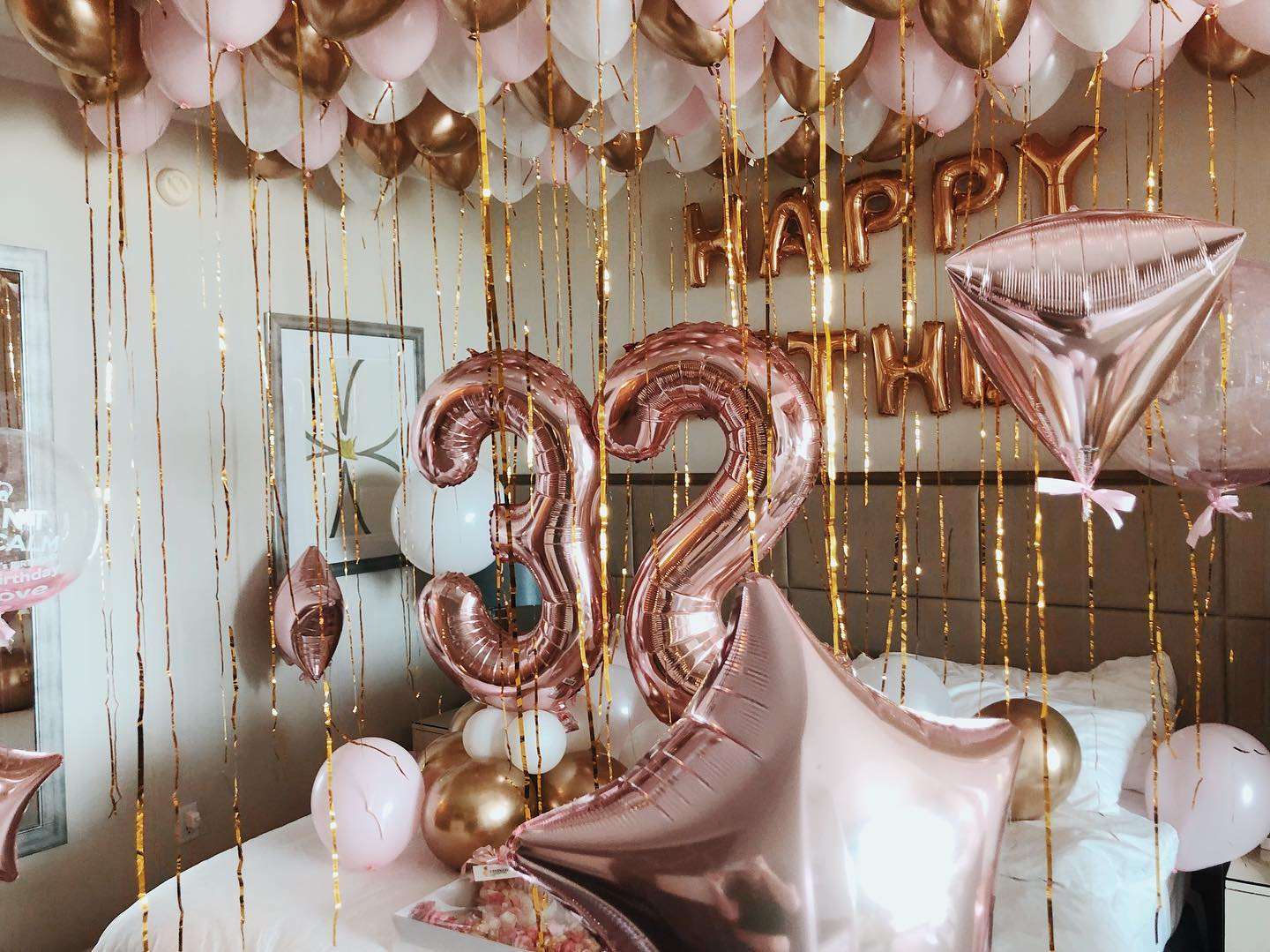 Rose gold  balloons room decoration