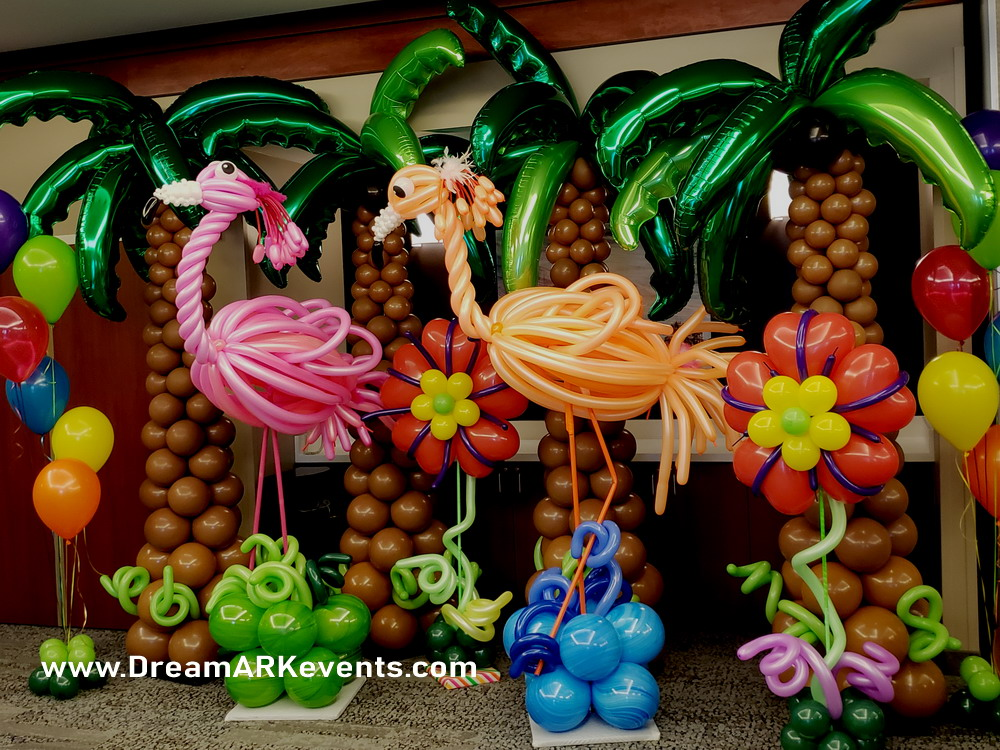 Flamingo & palm tree balloon sculpture