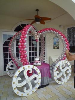 Princess carriage balloon sculpture