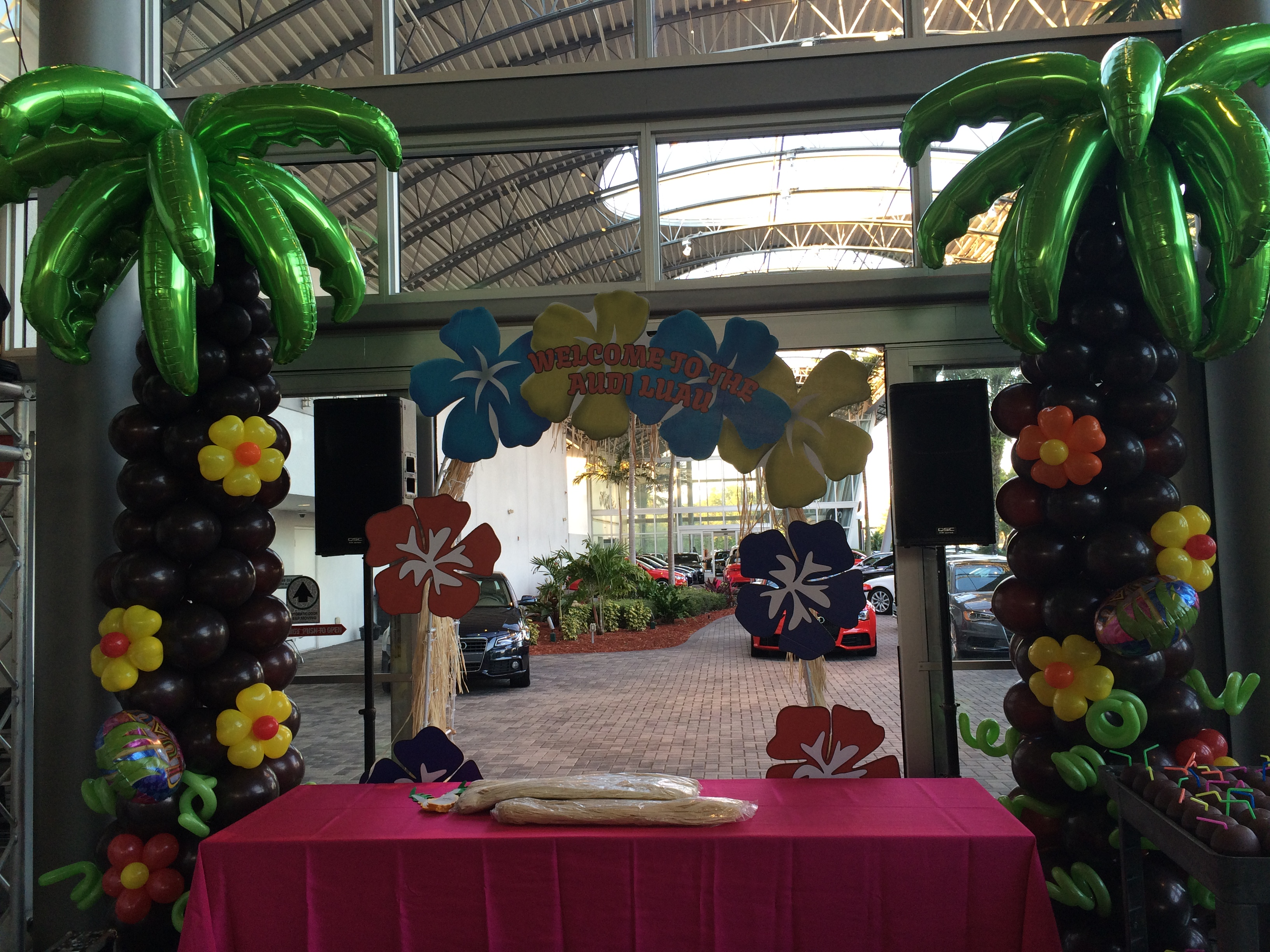 Palm Tree Balloon Column