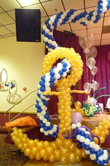 Big Anchor balloon sculpture