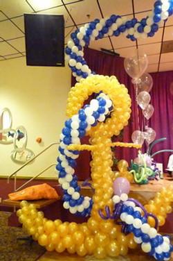 Big Anchor balloon sculpture