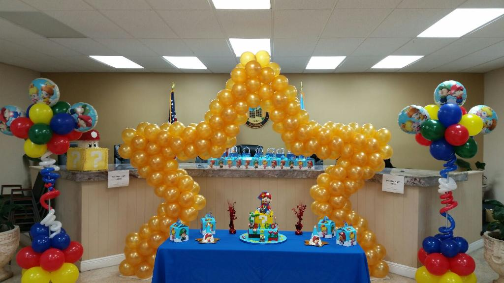 Super Mario Themed Balloon Sculpture