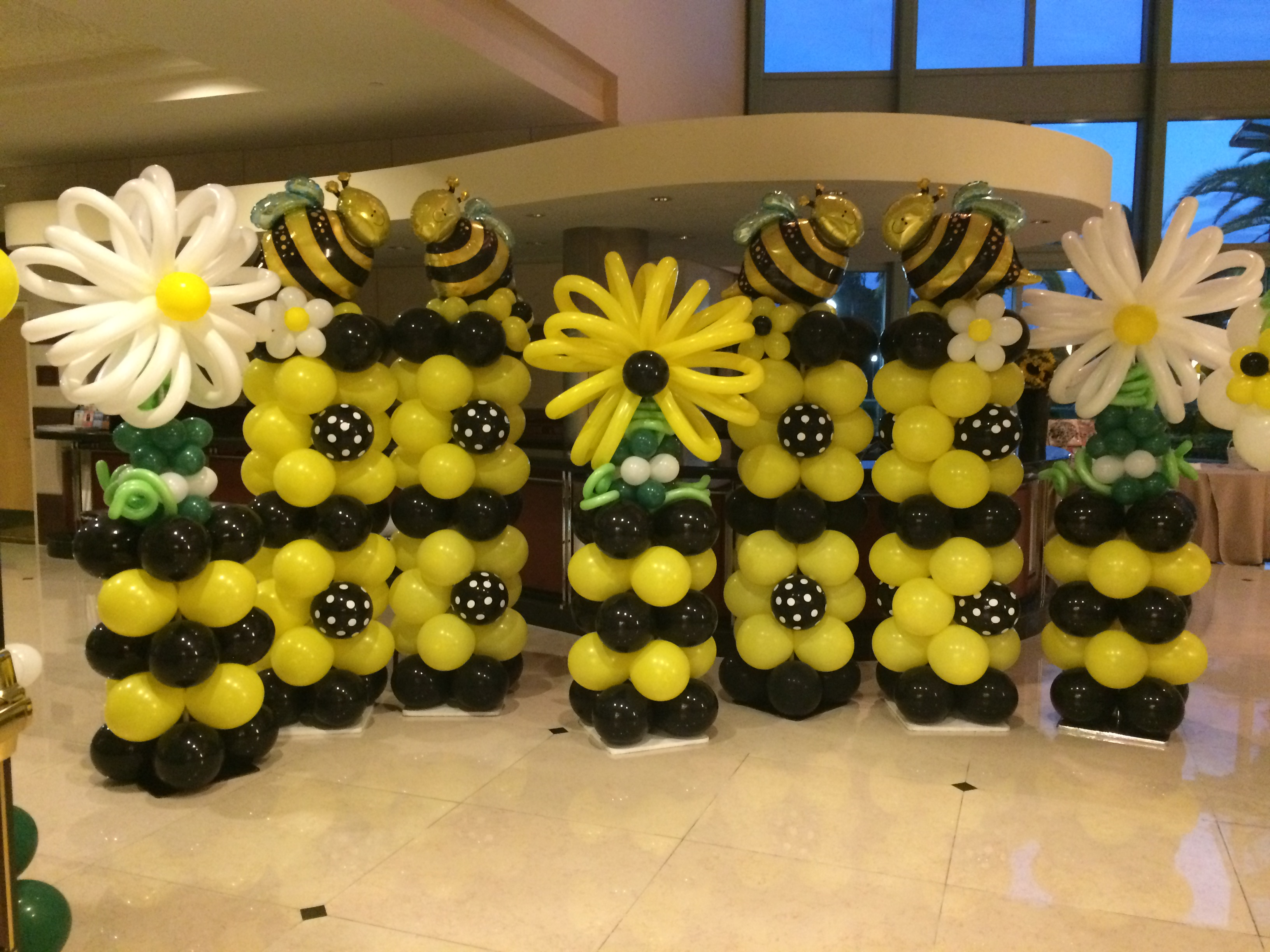 Honey Bee theme balloon columns