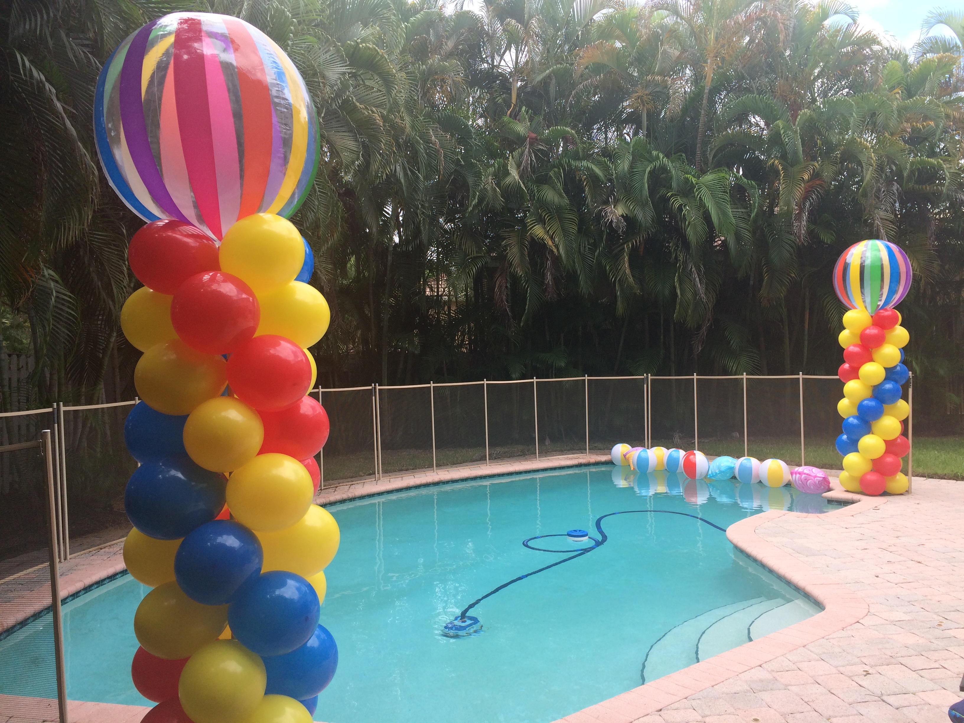 Beach Ball Balloon Column