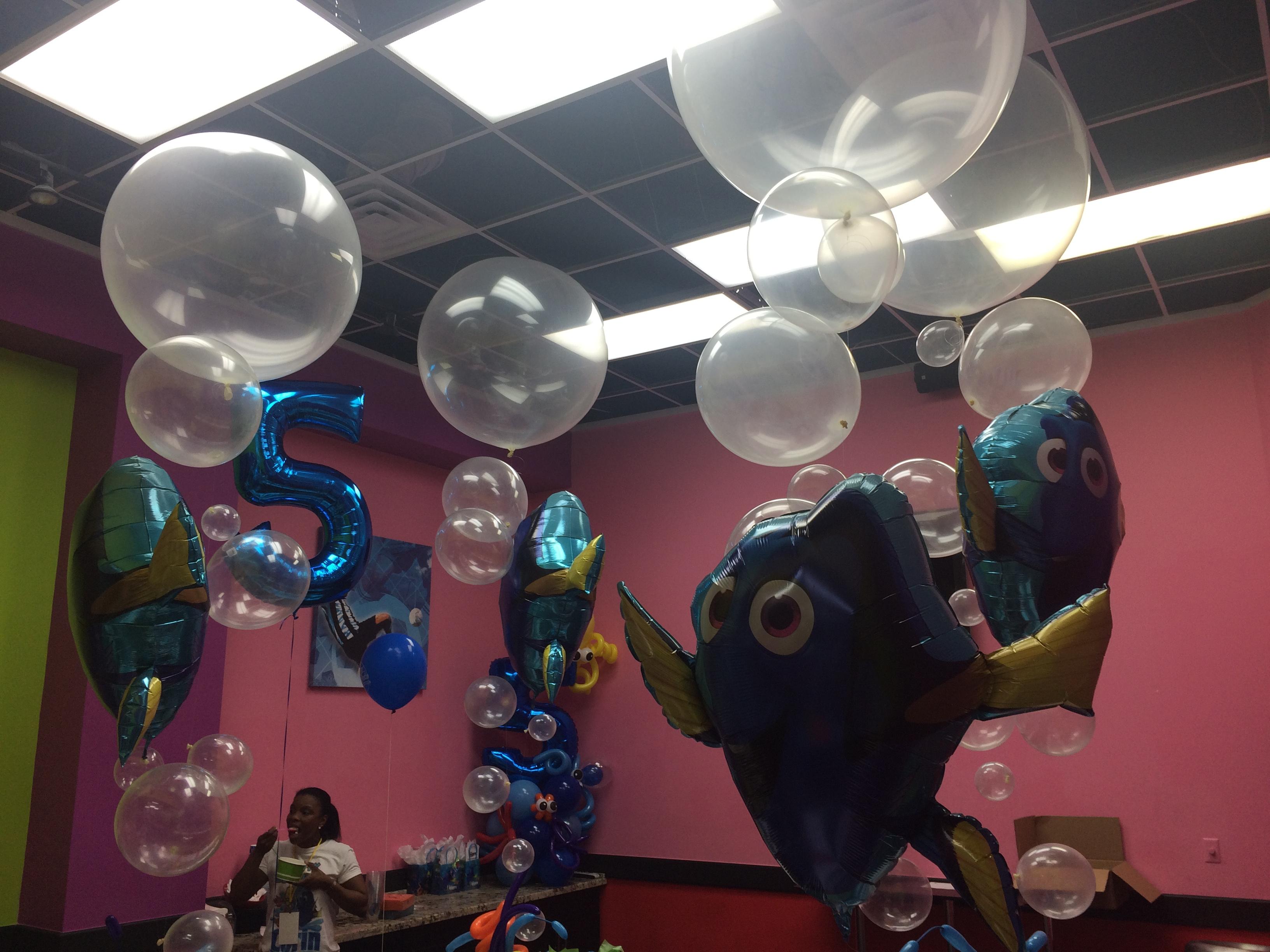 Finding Dory Balloon Decoration Idea