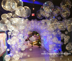 Underwater bubble tunnel
