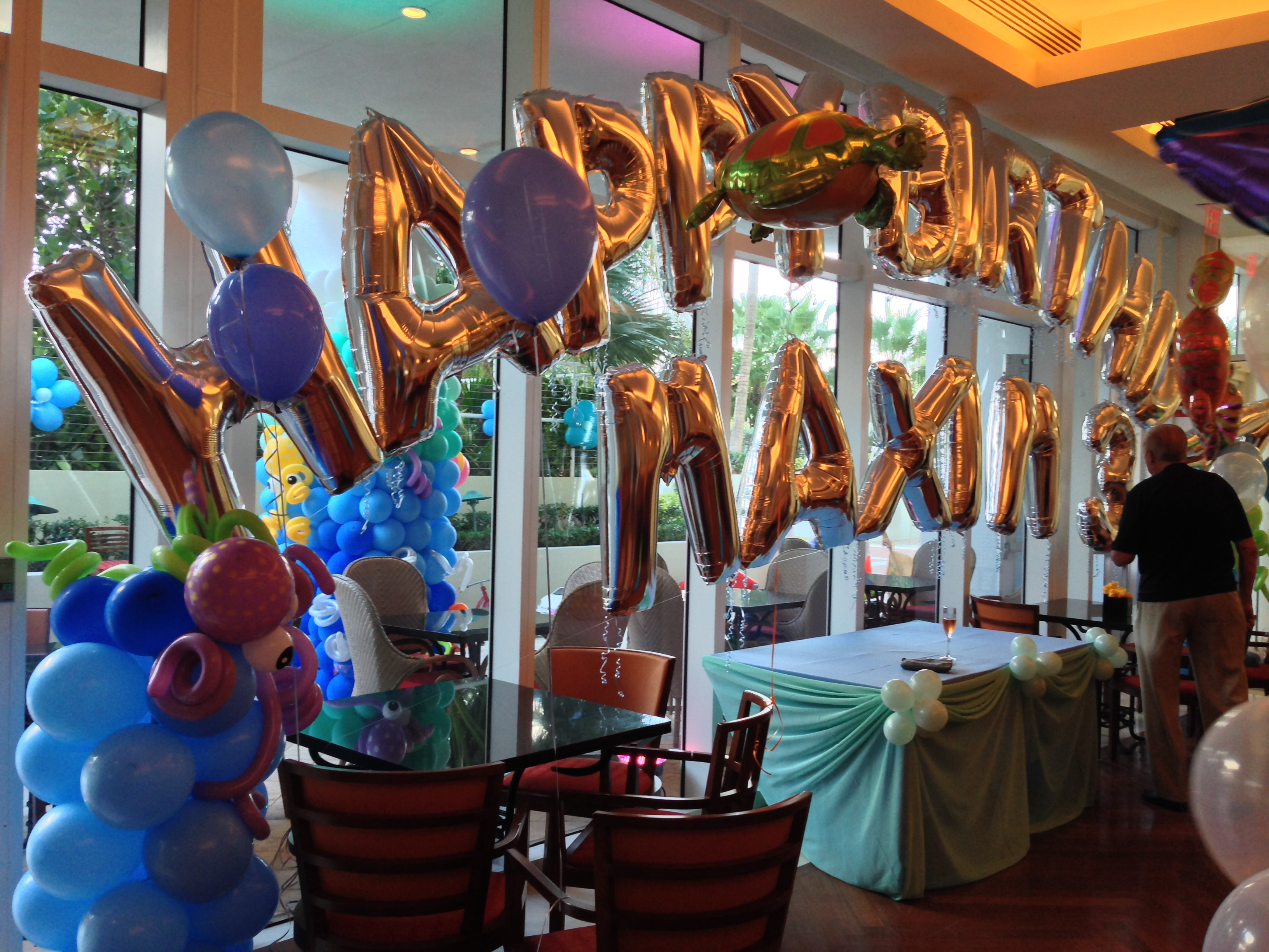 Name With Balloon Arch