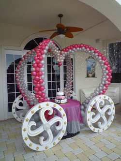 Princess Carriage Balloon Design