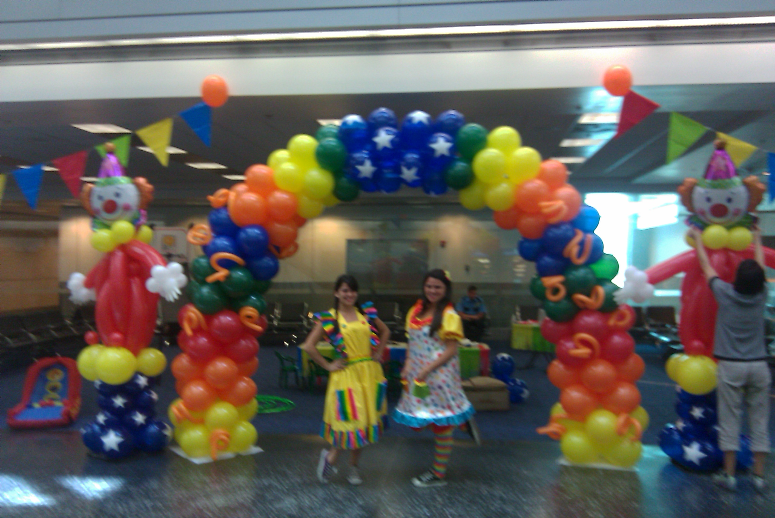 Circus Themed Balloon Arch