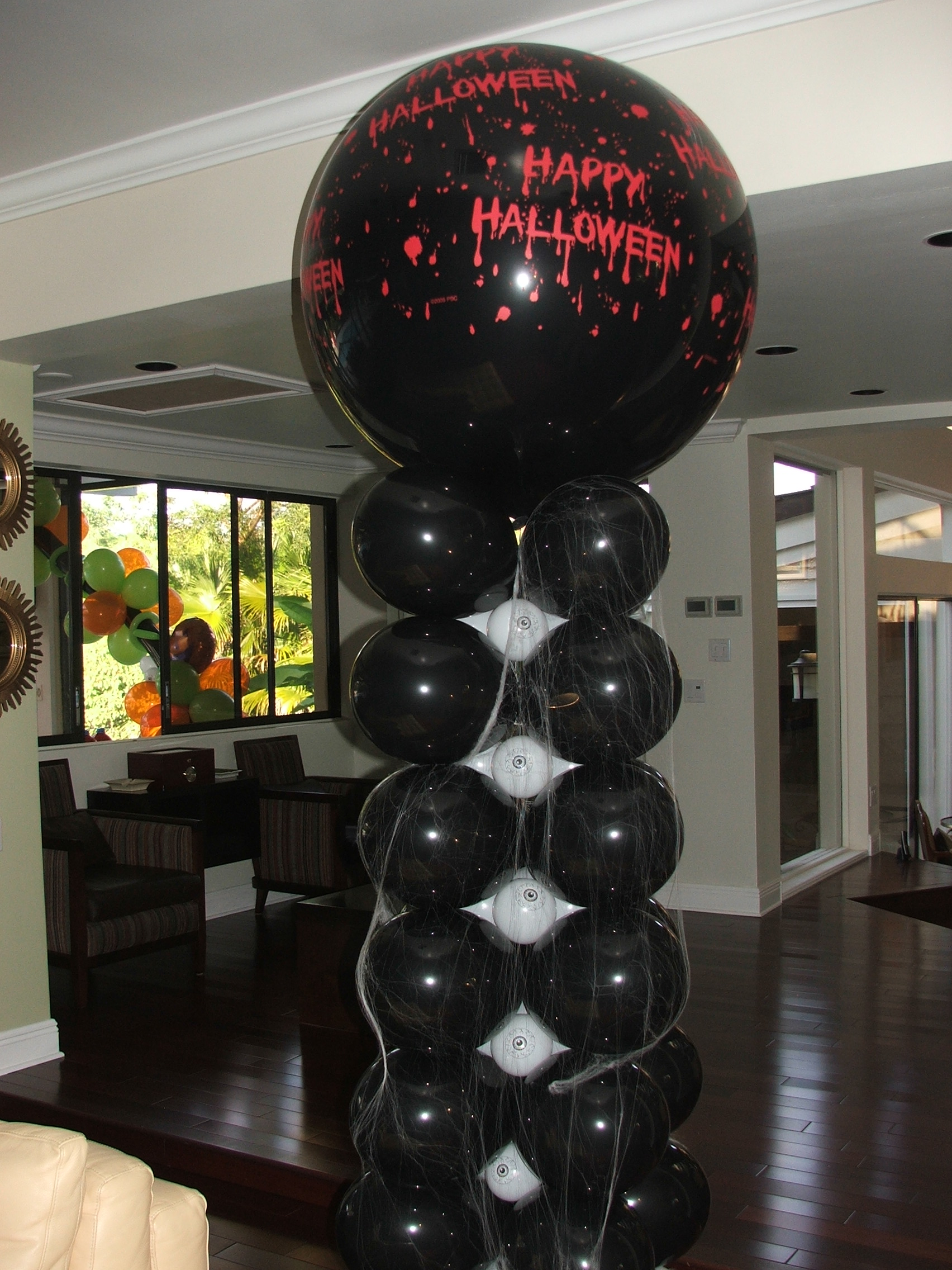 Halloween Balloon Columns