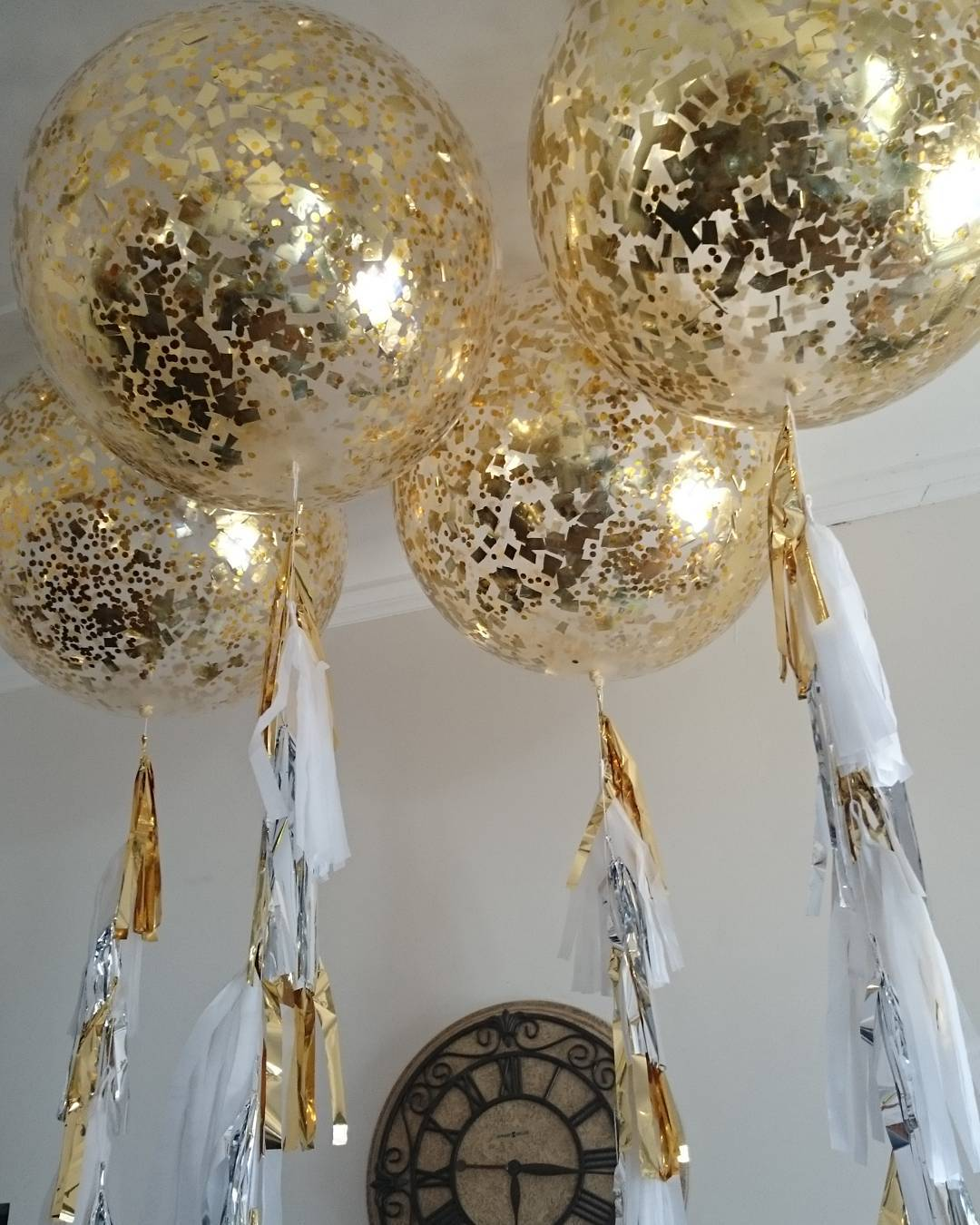 Giant Clear Gold Confetti Balloon