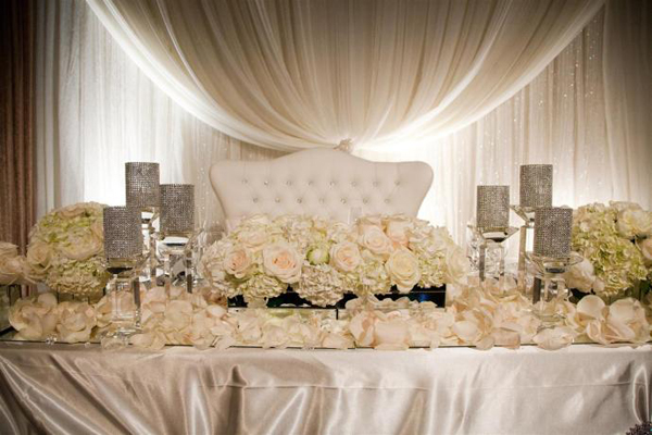 Head Table Throne And Decor