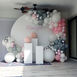 Circle White Backdrop & Balloon Garland