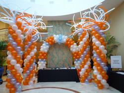 Big Balloon Columns With Arch