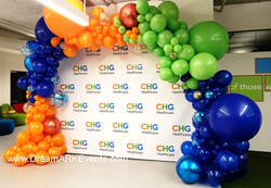 Step and repeat  balloon arch