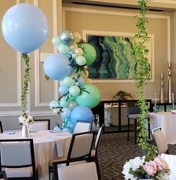 Organic balloon garland & foliage 2