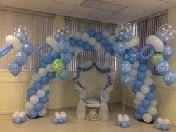 Baby shower balloon arch & wicker throne