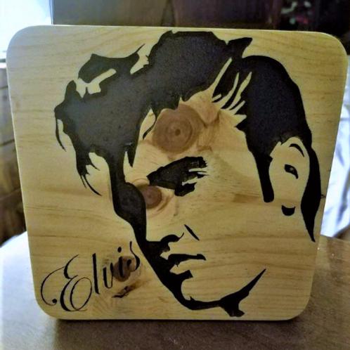 Elvis Presley Signature Plaque