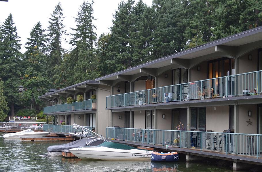 Villas-on-Lake-Oswego-Front.jpg