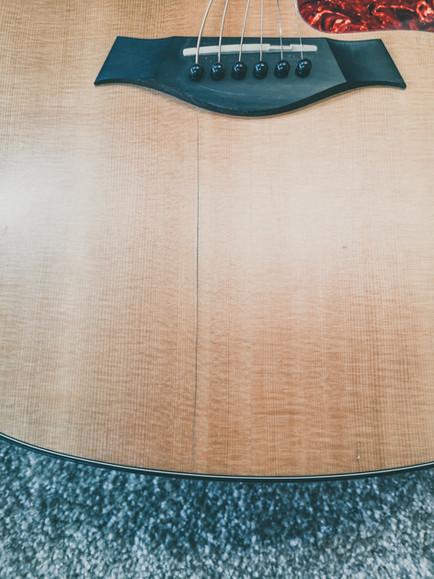 Taylor 114CE -  Склейка трещины, шлифовк