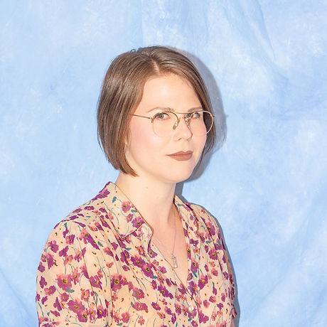 Emily DiCarlo_headshot2018_Photographer-Maya Fuhr_cropped_01.jpeg