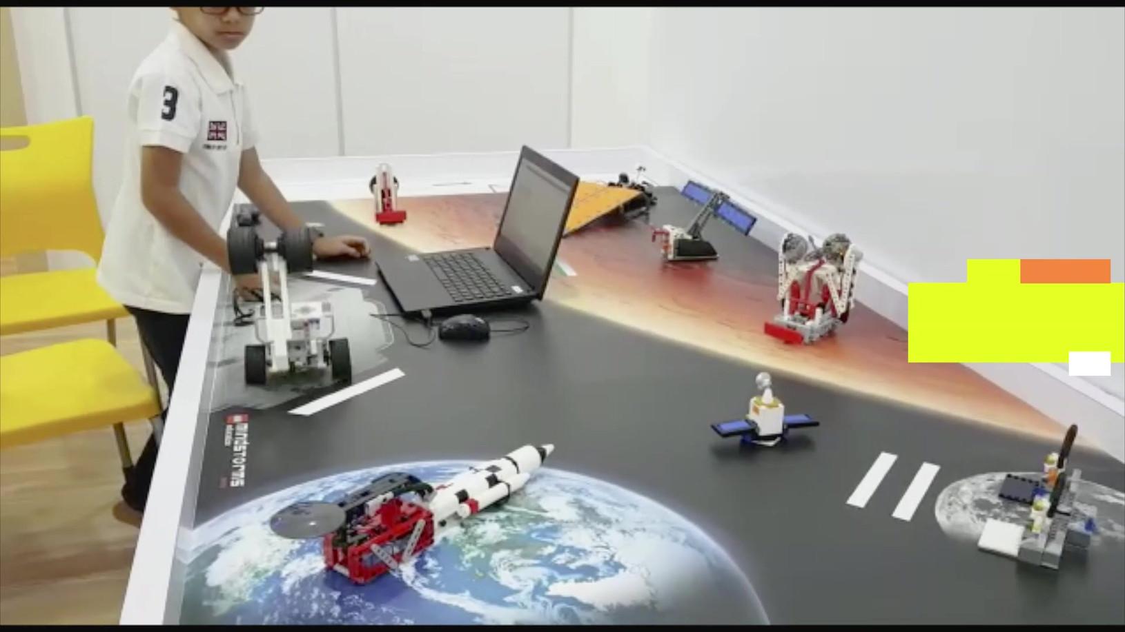 WeDo & Mindstorms.mp4