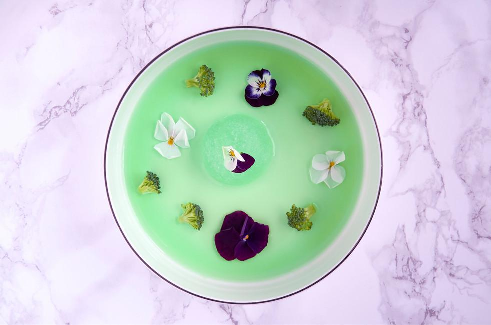 Dessert vert et fleurs