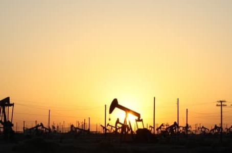 BEST MCX CRUDE OIL & NATURAL GAS TIPS PROVIDER.