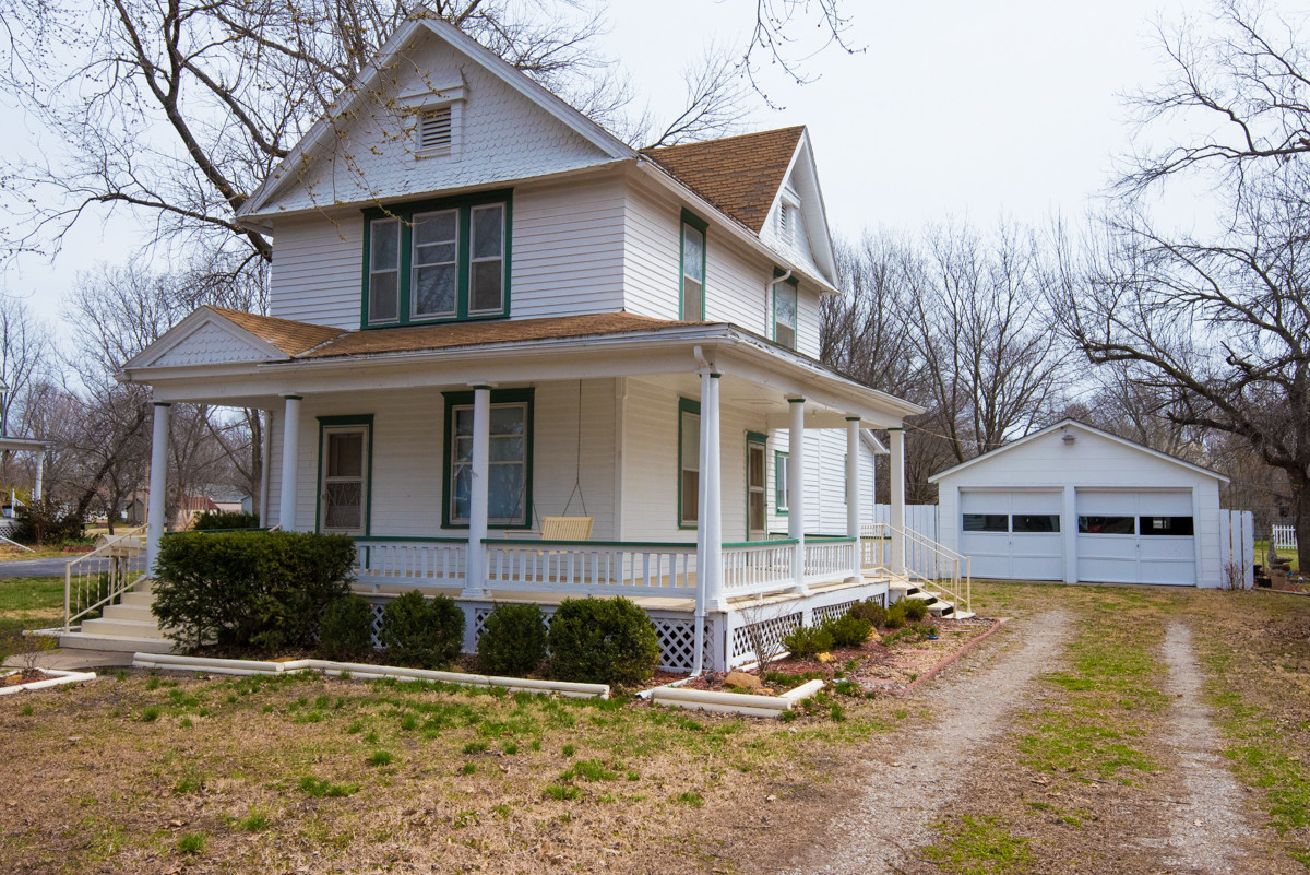 514 S 6th Osage City, KS-1.jpg