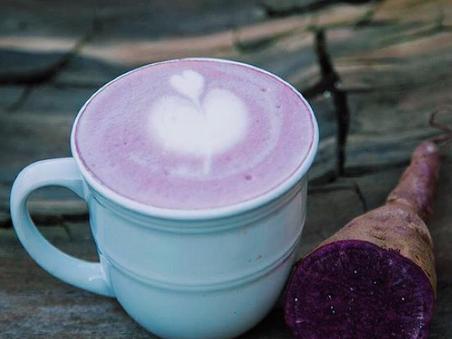Amethyst latte ou chodo à la patate douce violette