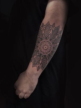 mandala tattoos, tattooed men, dotwork tattoos, ornamental tattoos, geometric tattoos, dotwork in london, geometric tattoo artist in london, dotwork in brighton, custom tattoo artist near me, custom tattoo artist in london, custom tattoo artist in brighton, divine canvas tattoo artists, londons top dotwork artists, brightons best dotwork artists, mandala tattoo artists, deity tattoo