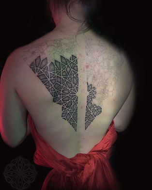 geometric tattoos, tattoos in progress, geometric back tattoo, dotwork tattoo, dotwork back tattoos, best london tattooists, deity tattoo, goa tattoo convention 2019