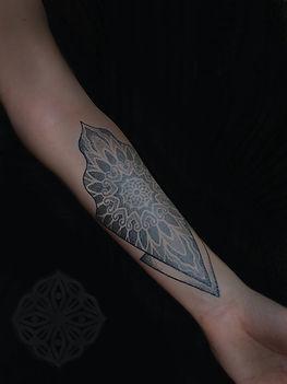 unique tattoos, dotwork tattoo, dotwork tattoo artist in london, geometric tattoo, mandala tattoos, best mandala tattoo artists in london, deity tattoo, deity adornments, tattooed girls, arm tattoos, best geometric tattoo artists in london, best dotwork artists in london, london tattoo artists, tattoo artists in goa