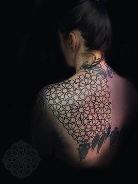 geometric tattoos, dotwork tattoos, back tattoo, girls with tattoos, tattooist in london, pattern tattoos, deity tattoo, divine canvas tattooist, beautiful geometric tattoos